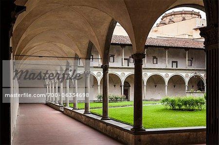Cloister of Basilica of Santa Croce, Piazze Santa Croce, Florence, Tuscany, Italy