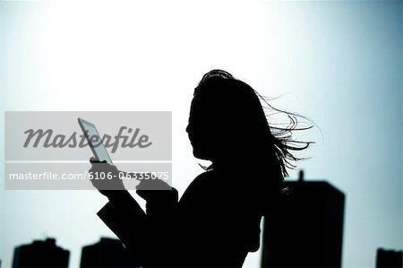 femme d'affaires avec tablet PC
