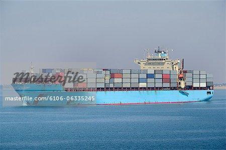 Canal de Suez, gros porte-conteneurs