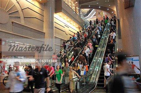 Escaliers roulants au Times Square shopping mall, Causeway Bay, Hong Kong