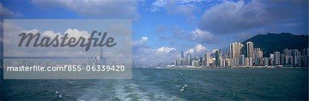 Skyline panoramique de l'île de Hong Kong et Kowloon à Victoria Harbour, Hong Kong