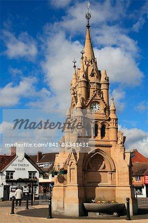 Tour de l'horloge et place de la ville, Stratford-upon-Avon, Warwickshire, Angleterre, Royaume-Uni, Europe
