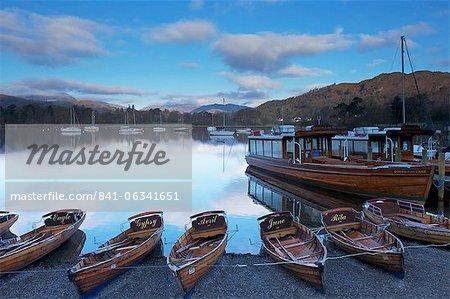 Sunrise Lake Windermere, Ambleside, Parc National de Lake District, Cumbria, Angleterre, Royaume-Uni, Europe