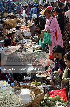 Hebdomadaire alimentation marché, Taunggyi, Sud État Shan, Myanmar (Birmanie), Asie