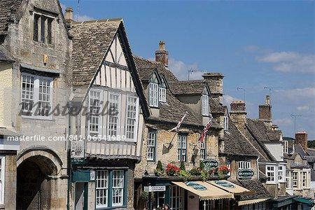 View down the High Street, Burford, Oxfordshire, England, United Kingdom, Europe