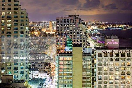 Élevé vue crépuscule sur la plage de la ville, Tel Aviv, Israël, Moyen-Orient