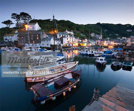 Soirée au port de Polperro, Polperro, Cornwall, Angleterre, Royaume-Uni, Europe