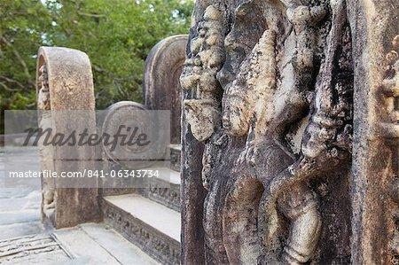 Guardstones à Vatadage, Quadrangle, Polonnaruwa, Site du patrimoine mondial de l'UNESCO, Province centrale du Nord, Sri Lanka, Asie