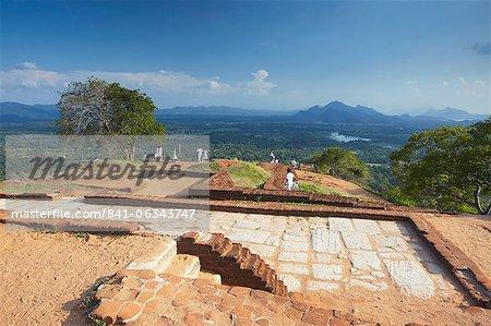 Vue depuis le sommet de Sigiriya, patrimoine mondial UNESCO, Province centrale du Nord, Sri Lanka, Asie
