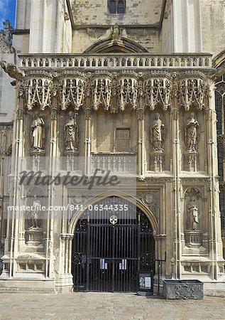 Porche du Sud-Ouest gothique, construite au XVe siècle par Thomas Mapilton et Richard Beke, cathédrale de Canterbury, patrimoine mondial de l'UNESCO, Canterbury, Kent, Angleterre, Royaume-Uni, Europe