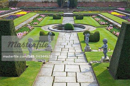 Formale Gärten, Hampton Court Palace, Greater London, England, Vereinigtes Königreich, Europa