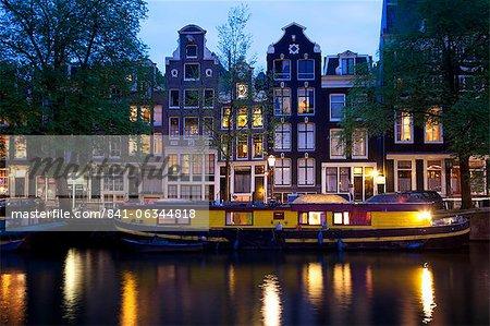 Canal bateau et architecture, Amsterdam, Hollande, Europe