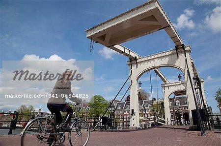 Magere Brug (Skinny Bridge), Amsterdam, Holland, Europe