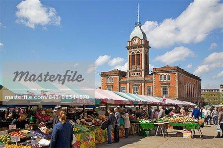 Markthalle und Markt-Stände, Chesterfield, Derbyshire, England, Vereinigtes Königreich, Europa