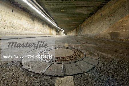 Tunnel de Matena à nuit, Duisbourg, bassin de la Ruhr, Rhénanie du Nord-Westphalie, Allemagne