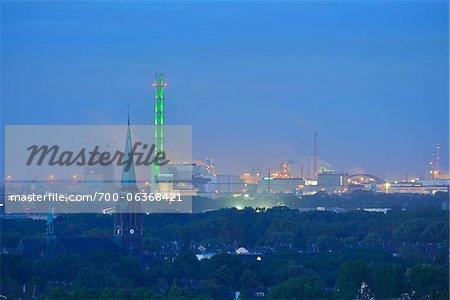 Vue d'ensemble du bassin de la Ruhr à l'aube, Duisbourg, bassin de la Ruhr, Rhénanie du Nord-Westphalie, Allemagne
