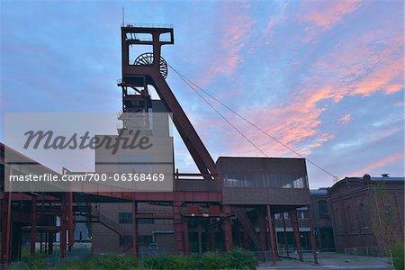 Mine Zeche Zollverein à Dawn, Essen, Nord-Rhénanie-Westphalie, Allemagne