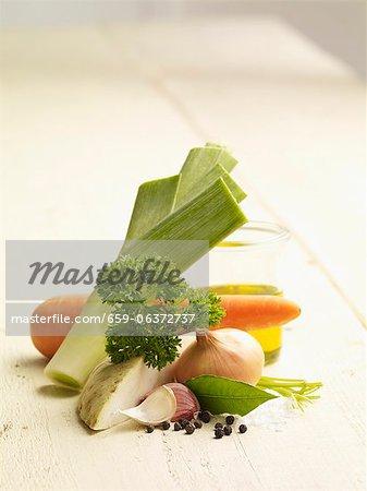 Zutaten für die Gemüsebrühe