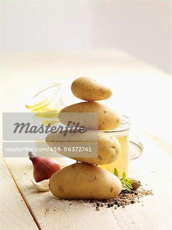 Ingrédients pour la soupe de pommes de terre