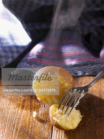Semi-peeled Kartoffel