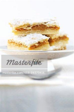 Gâteau aux pommes roumain