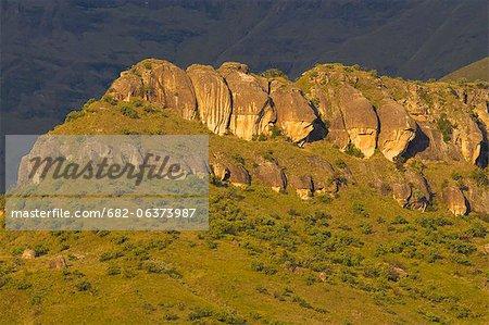 Casque, amphithéâtre du Drakensberg, uKhahlamba Drakensberg Park policier, KwaZulu-Natal, Afrique du Sud