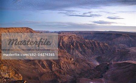 Paysage avec canyon du désert et de la rivière, Fish River Canyon, région de Karas, Namibie