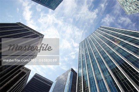 Faible vue d'angle des bâtiments du centre, Vancouver, Colombie-Britannique, Canada