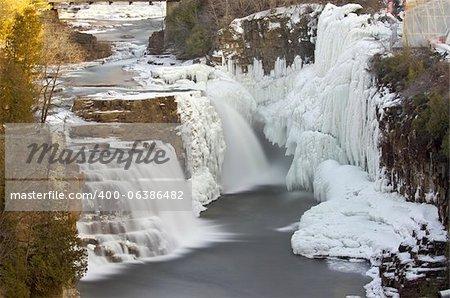Cette cascades est situé à Ausable Chasm en Upstate New York.