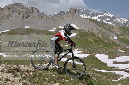Vélo de montagne de garçon