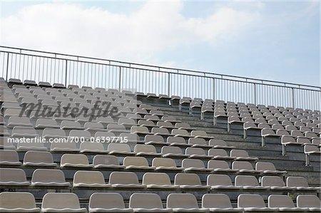 Stade vide