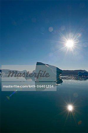 Sonne über Gletschersee