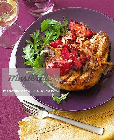 Côtelette de porc grill avec Chutney de prune