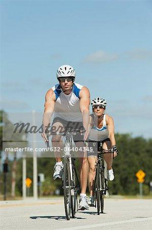 Cyclistes cyclisme sur route