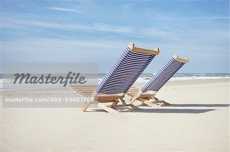 Paire de plage, chaises, Lacanau, Gironde, Aquitaine, France