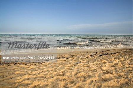 Belle plage au bord de la mer Méditerranée à Hammamet, Tunisia