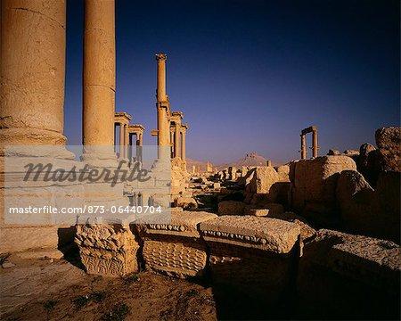 Anciens piliers et briques Palmyra ruines Syrie