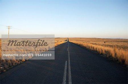 Ouvrir la route de campagne, Karoo, Eastern Cape, Afrique du Sud
