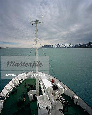 Proue du navire, l'île de Géorgie du Sud, Antarctique