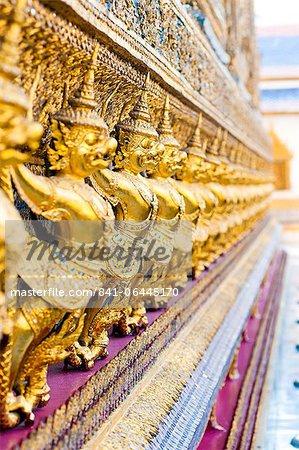 Statues de tuteur au Temple du Bouddha d'émeraude (Wat Phra Kaew), le Grand Palais, Bangkok, Thaïlande, Asie du sud-est, Asie