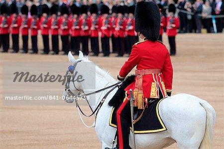 Soldaten an Trooping die Farbe 2012, Queen's offizielle Birthday Parade, Horse Guards, Whitehall, London, England, Vereinigtes Königreich, Europa