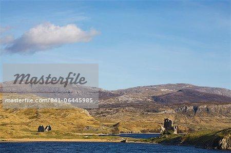 Castle Ardvreck, Loch Assynt, near Lochinver, Sutherland, Highlands, Scotland, United Kingdom, Europe