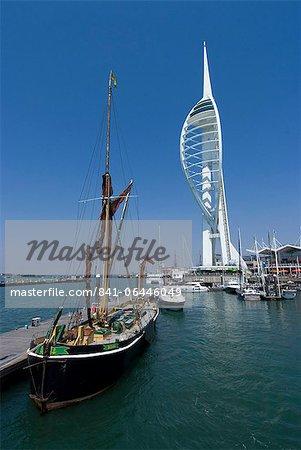 Tour spinnaker de Gunwharf, Portsmouth, Hampshire, Angleterre, Royaume-Uni, Europe