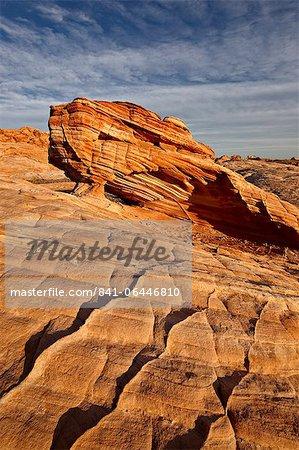 Arch en grès stratifiés, la vallée de feu State Park, Nevada, États-Unis d'Amérique, l'Amérique du Nord