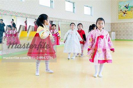Mangyongdae Schulkinder des Palace, Pjöngjang, Demokratische Volksrepublik Korea (DVRK), North Korea, Asien