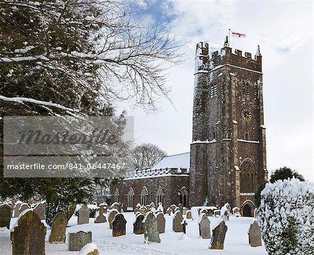 Église paroissiale rural dans la neige de l'hiver, évêque de Gex, Devon, Angleterre, Royaume-Uni, Europe