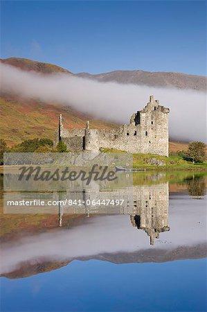 Ruines du château de Kilchurn sur le Loch Awe, Argyll and Bute, Ecosse, Royaume-Uni, Europe
