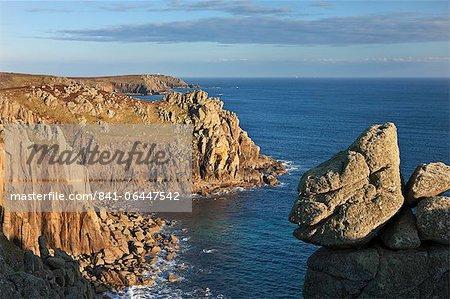 Point de Pordenack près de bout du monde, Cornwall, Angleterre, Royaume-Uni, Europe