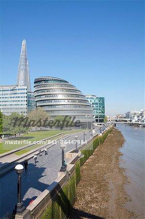 South Bank avec l'hôtel de ville, Shard London Bridge et plus Londres bâtiments, Londres, Royaume-Uni, Europe