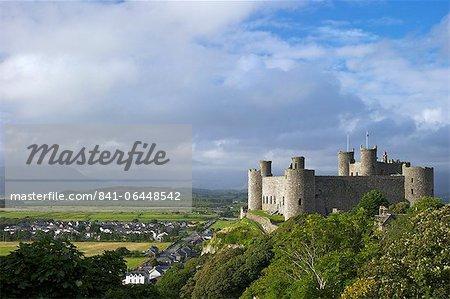 Château de Harlech au soleil d'été, patrimoine mondial de l'UNESCO, Gwynedd, pays de Galles, Royaume-Uni, Europe